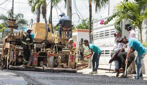 Obras Públicas inicia asfaltado Samaná y María T. Sánchez