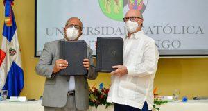 Universidad Católica e Instituto Peña Gómez firman convenio