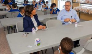 Director INABIE supervisa la entrega y calidad desayuno escolar