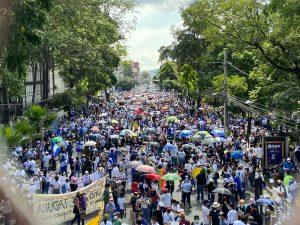 EL SALVADOR: Miles protestan en las calles contra Gobierno Bukele