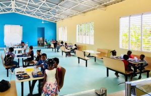 Hoteles RIU anuncia reapertura comedor para niños en Bávaro