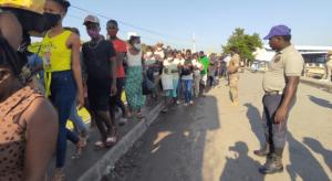 Gobierno RD inicia vacunación COVID en mercados fronterizos