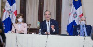 Abinader presenta estrategia para convertir RD líder competitividad