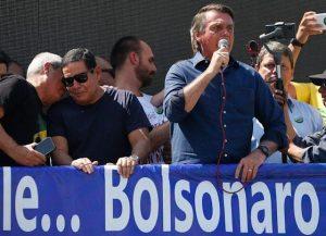 BRASIL: Bolsonaro amenaza a un juez del Supremo ante multitud