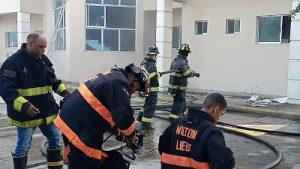 BONAO: Dan por controlado el incendio en el Palacio de Justicia