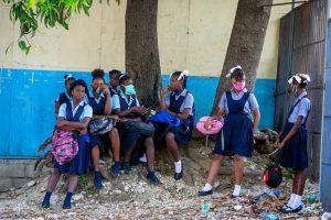 Haití reinició curso escolar pese a profunda crisis política y sanitaria