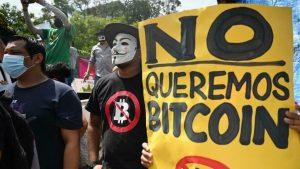EL SALVADOR: Bitcoin se estrena  entre problemas y protestas