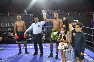 Dominicano Angel Cruz vence por KO venezolano Jean Carlos Prada