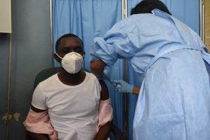 Ministerio de Salud de Haití promueve vacunación Covid-19