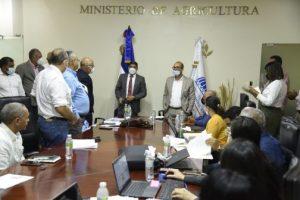 Gobierno entrega 395 millones de pesosa porcicultores por cerdos