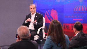 Presidente Abinader defiende la gran cantidad compra de vacunas