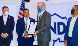 N. YORK: Sammy Ravelo agradece a Luis Abinader lo haya distinguido