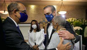 Abinader expresa condolencias a Deligne Ascención por muerte padre