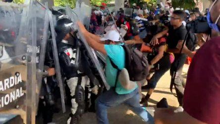 Caravana de migrantes reanudó marcha hacia Ciudad de México