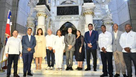 Cabildos de Santo Domingo procuran aumento presupuesto