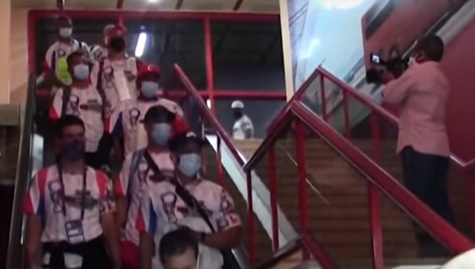 Conmoción en Cuba tras la huida de docena jugadores de béisbol