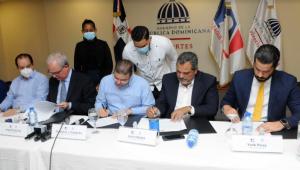 Construirán o remozarán treinta  estadios de beisbol en provincias