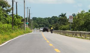 Presidente inaugura carretera en Villa Riva; costó RD$95 millones