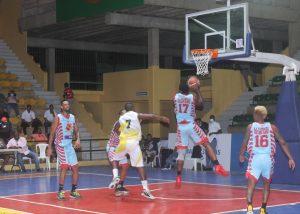 Quisqueya y Retiro 23 disputan liderato basket superior de SPM