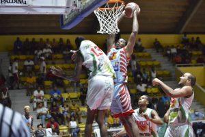 Quisqueya y Retiro 23 triunfan en inicio semifinal basket superior SPM