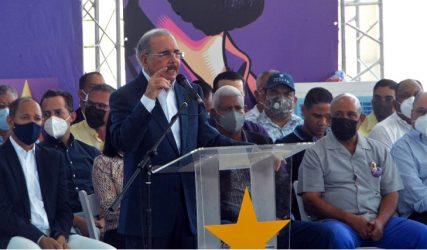 Danilo vuelve a la carga: fustiga al Gobierno y exalta obras del PLD