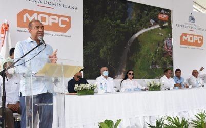 Inician construcción de carreteras en María Trinidad Sánchez