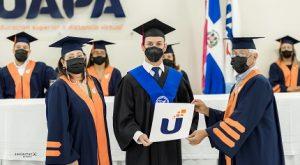 UAPA celebra su graduación con  1, 226 profesionales