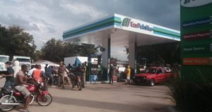 RD despliega militares evitar tráfico de combustibles a Haití