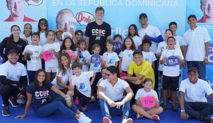 Academia natación Making Waves de RD recibe a nadador brasileño