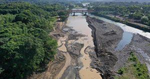 Medio Ambiente interviene el río Yuna en Bonao por irregularidad