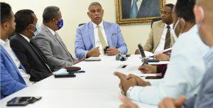 Cuarteles PN se están «cayendo a pedazos», admite Ministro Interior