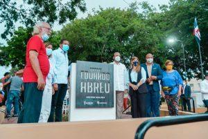 ADN y Banreservas entregan remozado parque en San Carlos