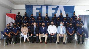 Entrenadores participan en u curso FIFA de fútbol sala