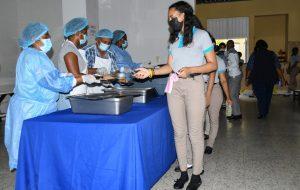 Inician Jornada Escolar Extendida con almuerzo alumnos y docentes