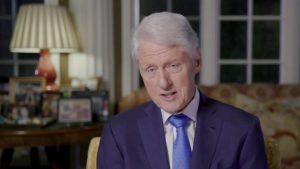 CALIFORNIA: Hospitalizan a Bill Clinton por una infección