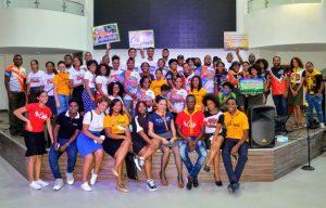 Jóvenes adventistas realizan marcha en San Cristóbal