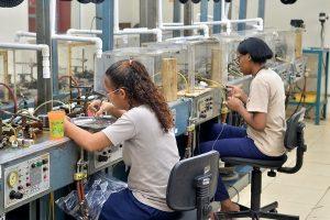CNTD reclama aumento de 40% para trabajadores zonas francas